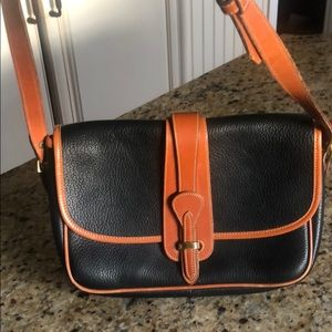 Dooney & Bourke leather bag in mint condition